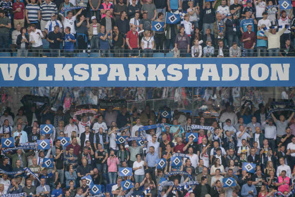 Beim Streit zwischen Investor Kühne und den HSV-Verantwortlichen geht es um die Namensrechte am Volksparkstadion, die Kühne noch bis Sommer 2019 hält.