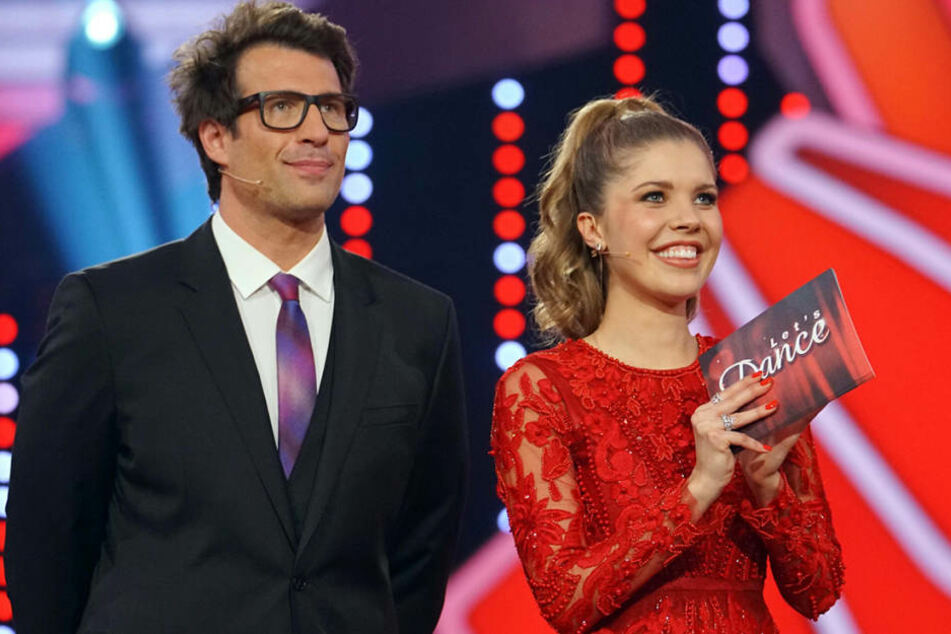 Eigentlich moderieren in diesem Jahr Daniel Hartwich (39) und Victoria Swarovski (24) Let's Dance.