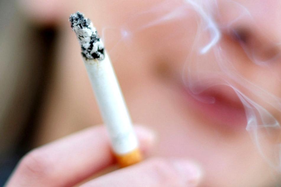 Schon eine Zigarette pro Tag kann gravierende Schäden anrichten.