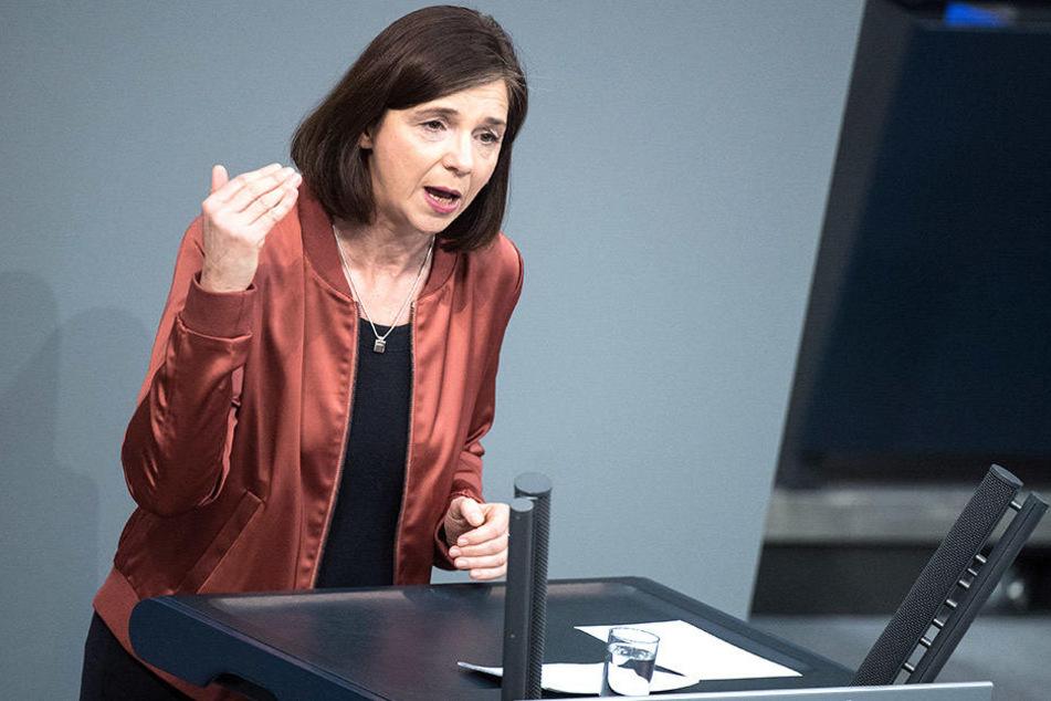 Katrin Göring Eckardt (52, Grüne) ist über die Reaktion der AfD belustigt.