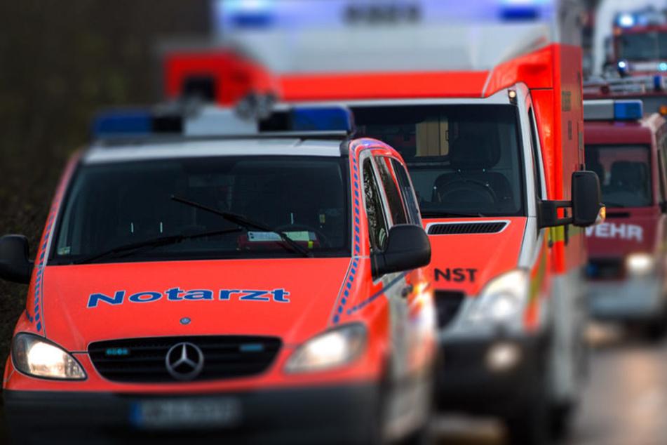 Die Rettungskräfte konnten für die beiden Insassen nichts mehr tun. (Symbolbild)