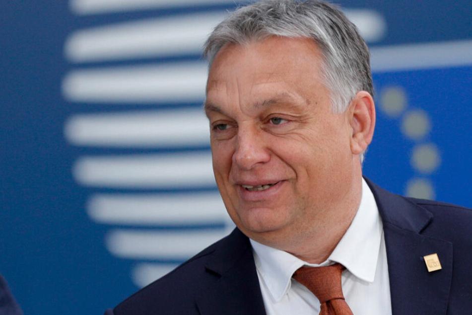Viktor Orban, Ministerpräsident von Ungarn, sagte Erdogan die Unterstützung seiner Regierung zu.