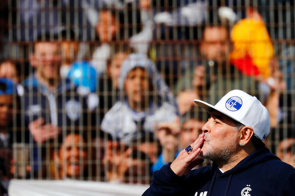 Auch beim öffentlichen Training im Anschluss warf er den Zuschauern noch Küsse zu, konnte die überwältigende Stimmung kaum fassen.
