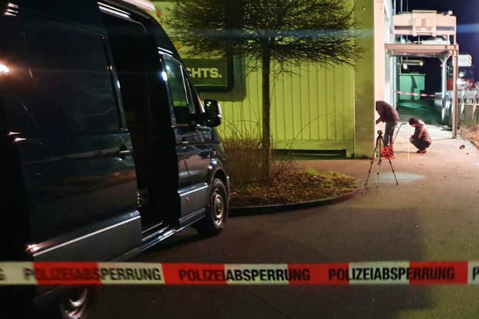 Streit hinter Supermarkt: Frau (†36) ist tot, zwei Männer in Polizeigewahrsam