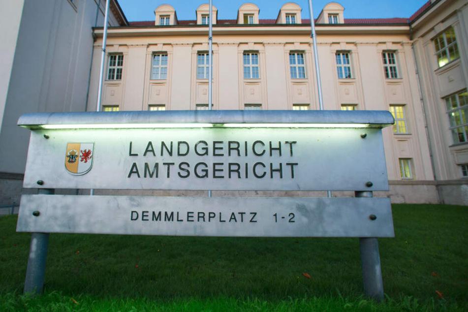 Blick auf das Gebäude des Schweriner Landgerichts.