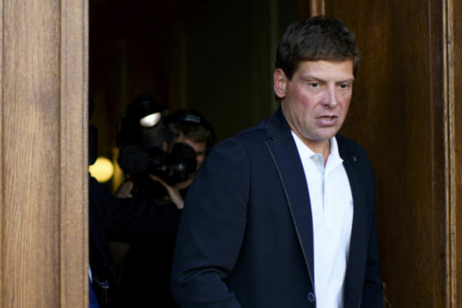 Die Hamburger Staatsanwaltschaft hat Ermittlungen gegen Ex-Radprofi Jan Ullrich vorläufig eingestellt.
