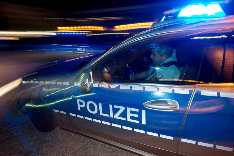 Die Polizei nahm den Betrunkenen fest. (Symbolbild)