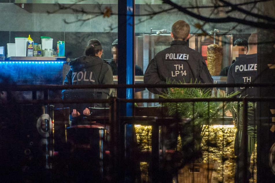 Am Donnerstag wurde unter anderem ein Imbiss in Erfurt unter die Lupe genommen.