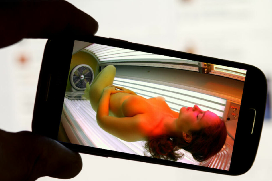 Mit seinem Handy soll ein Spanner Frauen in einem Sonnenstudio im Kreis Lörrach gefilmt haben. (Symbolbild)