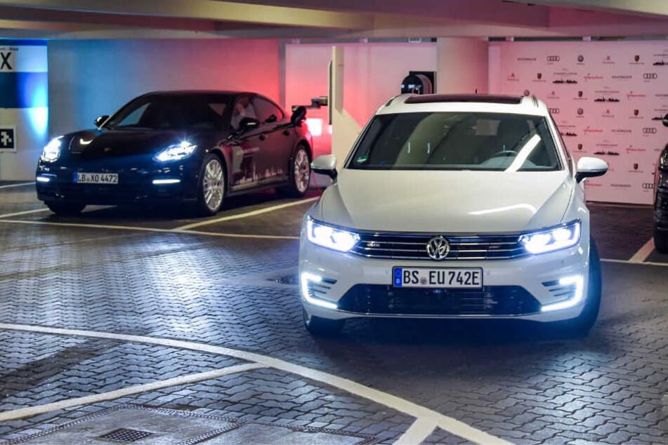 Am Hamburger Flughafen läuft der Test für selbstparkende Autos. (Symbolbild)