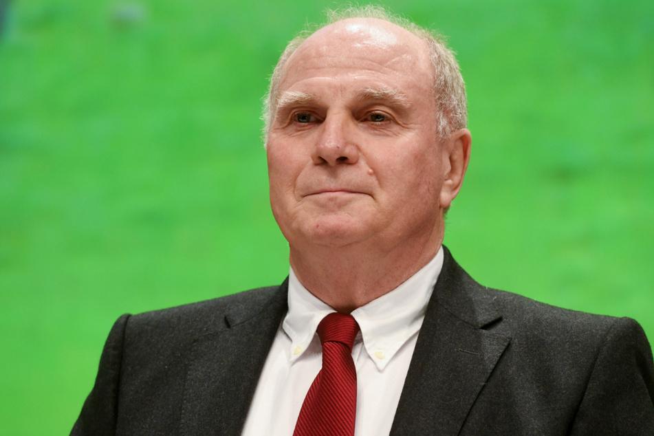 Uli Hoeneß (69) wird am Donnerstag erstmals als TV-Experte bei einem Länderspiel auftreten.