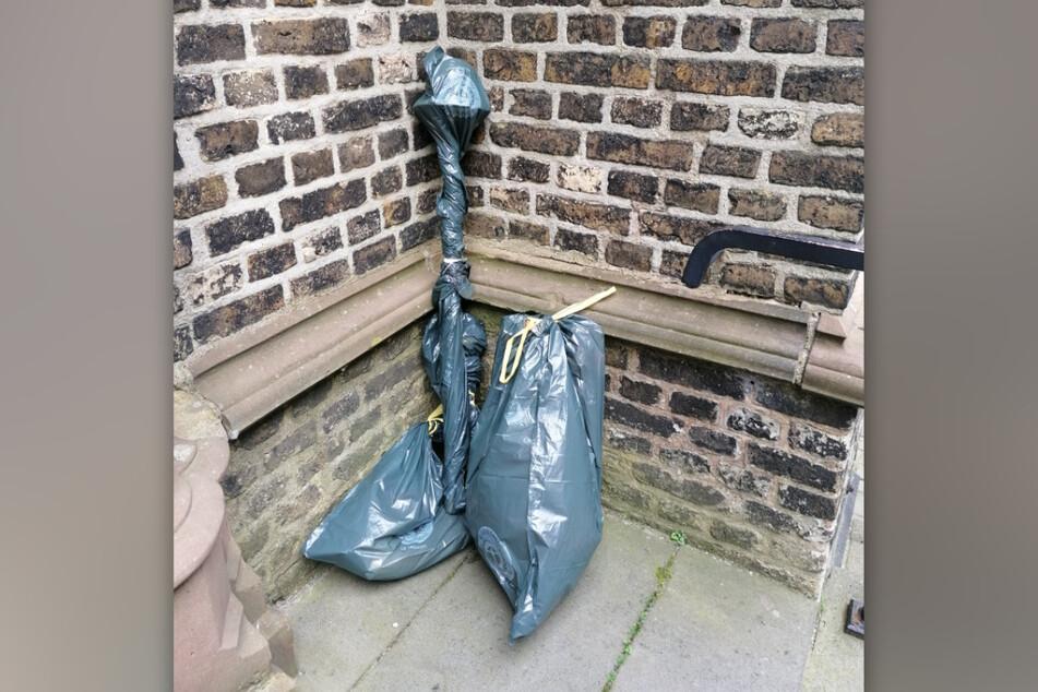 Die aus einer Kirche in Dormagen gestohlenen Gegenstände wurden von den unbekannten Dieben wieder zurückgebracht.
