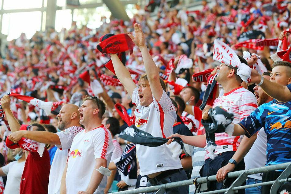 Tolle Atmosphäre: Beim Spitzenspiel des 4. Spieltags waren 34.000 Fans in der Red Bull Arena.