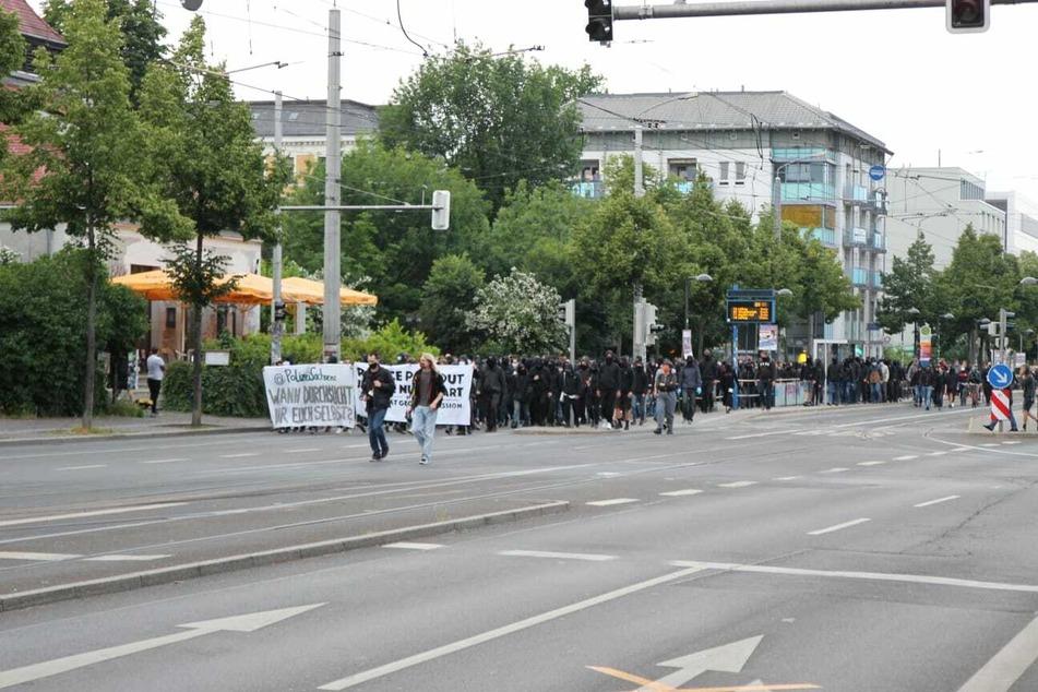 Die Demonstration zog auch am Connewitzer Kreuz vorbei.