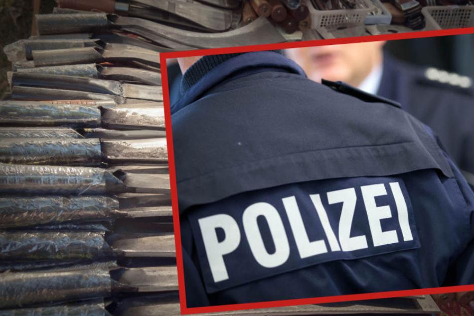 Mehrere Hiebwaffen und Dopingmittel wurden bei dem 41-Jährigen gefunden (Symbolbild).