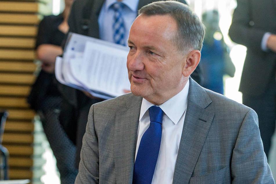 Thüringens Innenminister Holger Poppenhäger rüffelte am Donnerstag die Landesmigrationsbeauftragte Mirjam Kruppa.