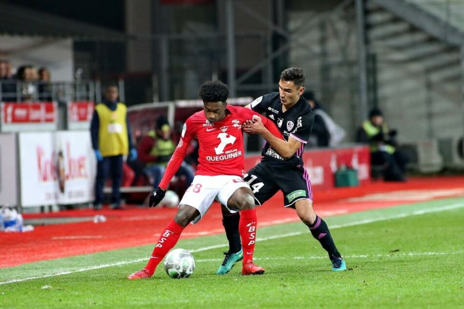 Auf Lenny Pintor (l.) ist RB Leipzig angeblich scharf. Der 17-Jährige steht beim französischen Zweitligisten Stade Brest noch bis 2020 unter Vertrag.
