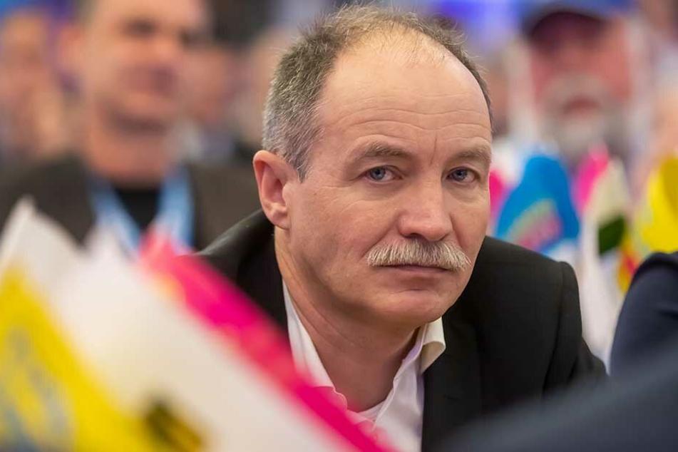 Der frühere FDP-Verkehrsminister Sven Morlok (56) habe den A4-Ausbau nicht forciert, ätzt jetzt die SPD.