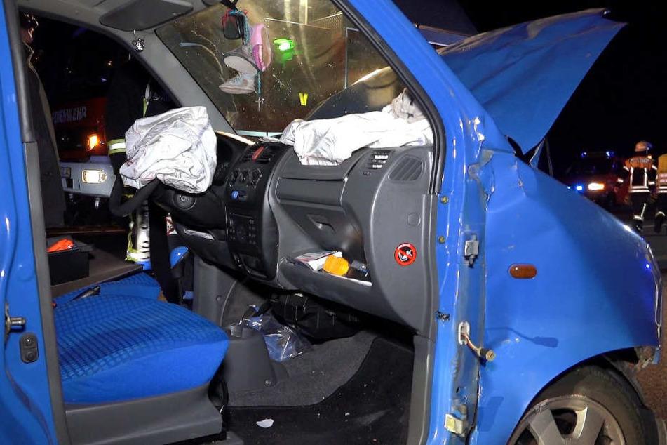 Auch ein Van war anscheinend an dem Crash beteiligt.
