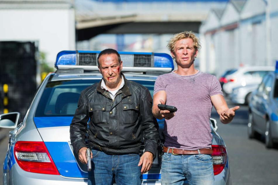 Die Schauspieler Erdogan Atalay (l - als Semir Gerkhan) und Daniel Roesner (als Paul Renner) drehen bald in Dresden.