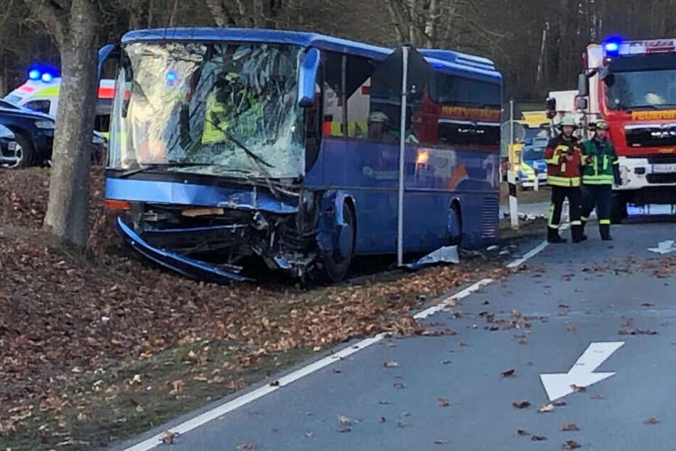 Im Bus befanden sich mehrer Schüler, die leicht verletzt wurden.
