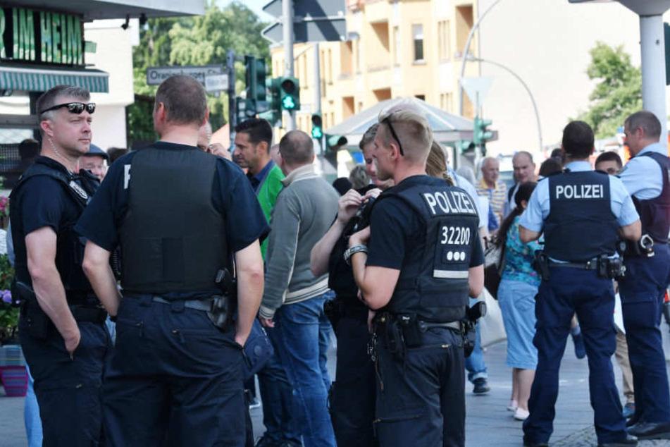 Polizisten im Einsatz. (Symbolbild)