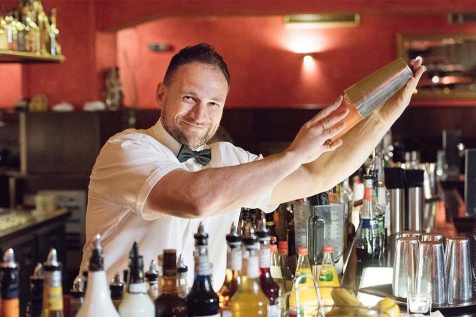 """""""Buschfunk""""-Macher Tino Winkler (48) kämpft um sein Kultlokal, will das Ruder bis Jahresende herumreißen. Dafür sucht er auch Personal."""