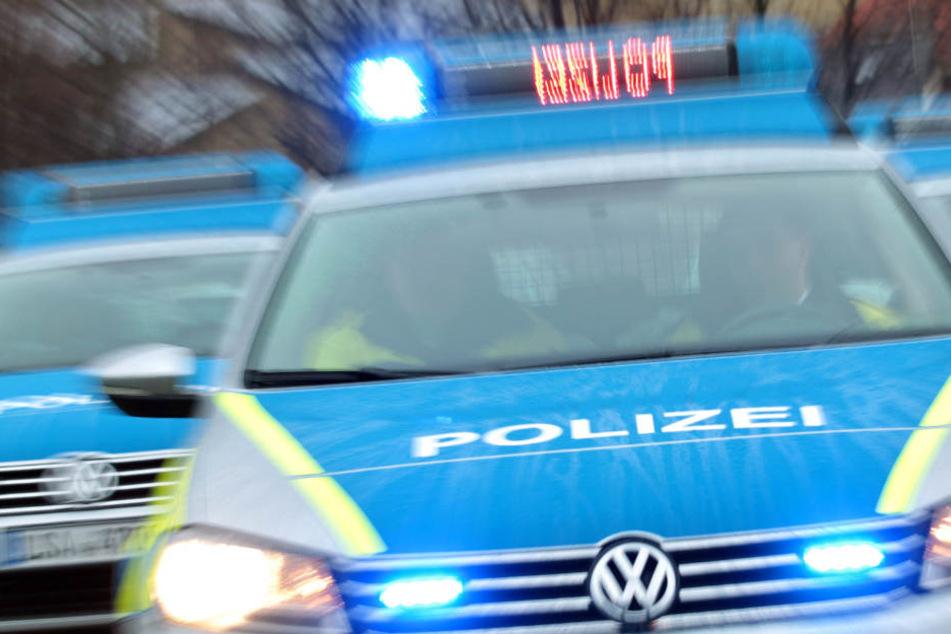 Polizei Marburg-Biedenkopf: 26-Jähriger lebensgefährlich verletzt - Dringend Tatverdächtiger flüchtig