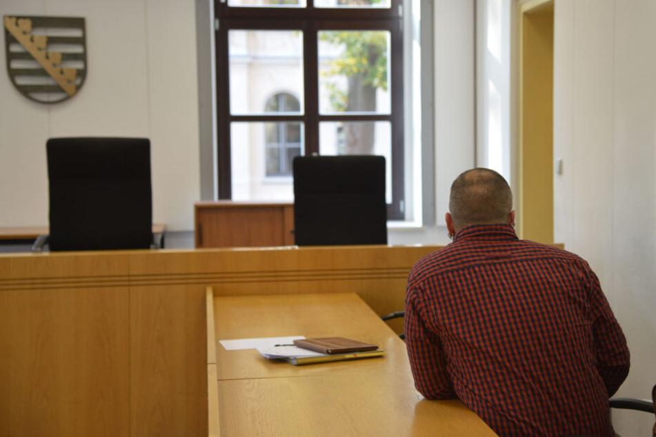 Der Angeklagte David I. (29) muss sich vorm Landgericht Chemnitz verantworten.