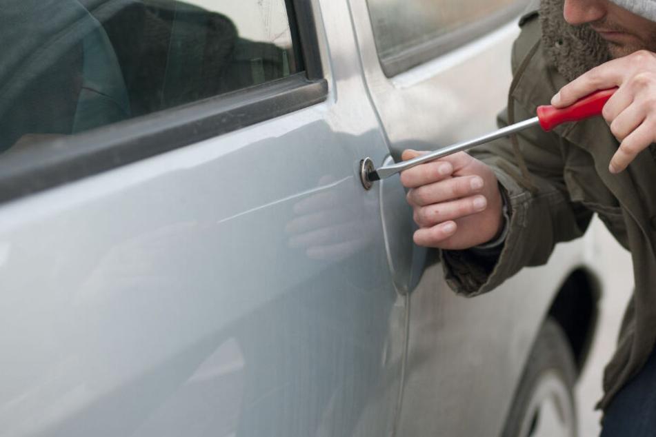 Die Polizei hat in Leipzig einen möglich Autodieb und Drogenhändler gefasst. (Symbolbild)