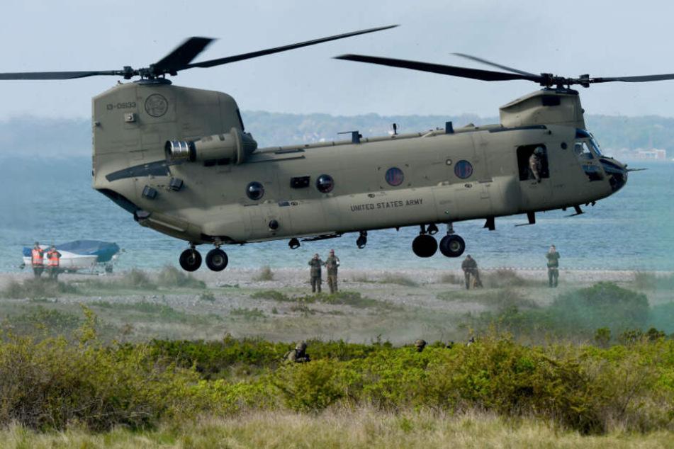 Auch Transporthubschrauber vom Typ Chinook sollen an der Übung beteiligt sein.