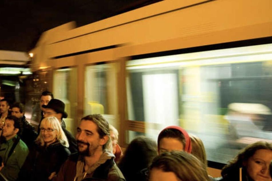 Da kommt Freude auf: Pendler können vielleicht bald einen Monat lang umsonst Bahn fahren.