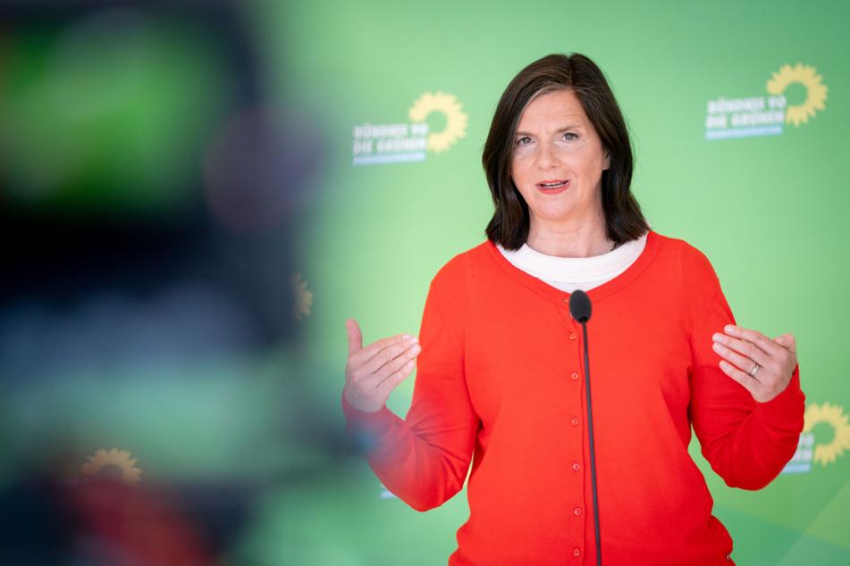 Katrin Göring-Eckardt (55) ist Fraktionsvorsitzende von Bündnis 90/Die Grünen und gehört zu den bekanntesten Persönlichkeiten der Partei.