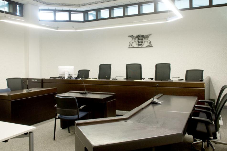 Zu sehen ist der Sitzungssaal im Stuttgarter Landgericht. (Symbolbild)