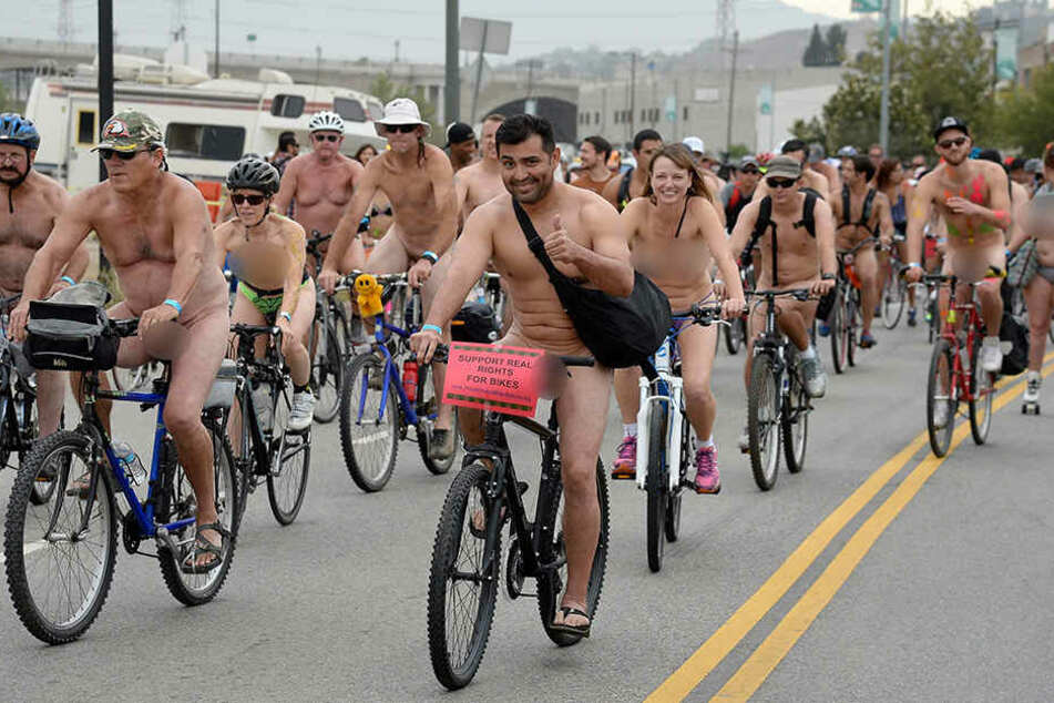 "Das ""World Naked Bike Ride"" hat eine lange Tradition. Auch in Los Angeles radeln Umweltaktivisten nackt, um das Fahrrad als Haupt-Fortbewegungsmittel zu bewerben."