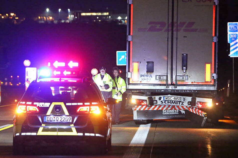 Die Polizei musste den Verkehr um die Unfallstelle herumleiten.