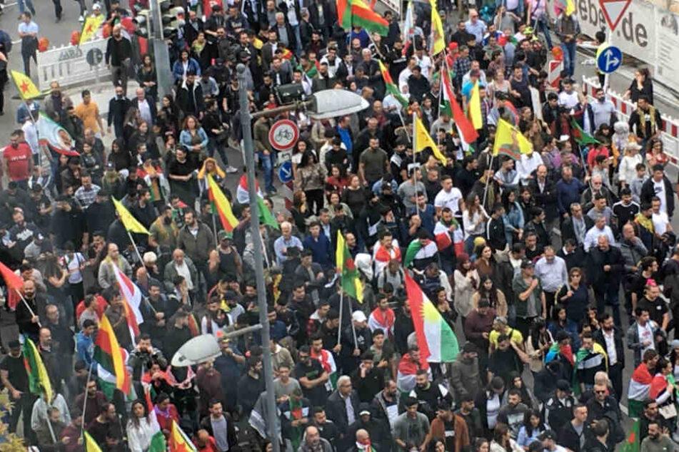 Nach Eskalation bei Kurden-Demo: Polizei-Gewerkschaft warnt vor gewalttätigen Protesten