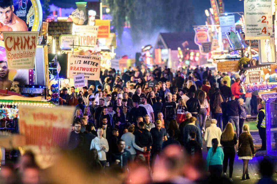 Die Besucher des Festes gerieten nach den Schüssen in Panik (Symbolfoto).