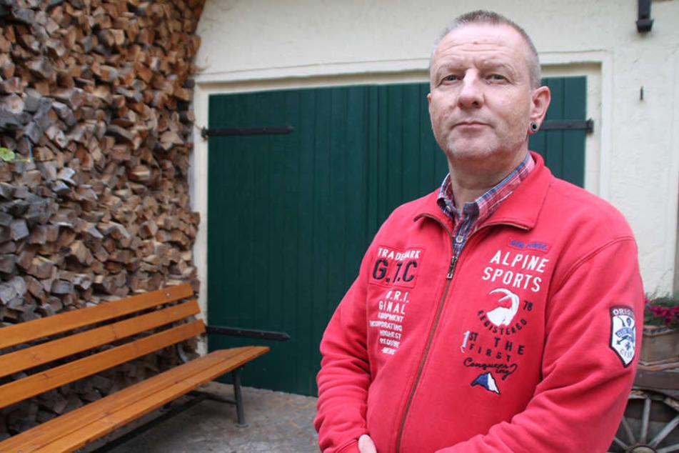 Frank Walther (52) aus Hoyerswerda ärgert sich über die  Angehörigen-Verständigung der Behörden.