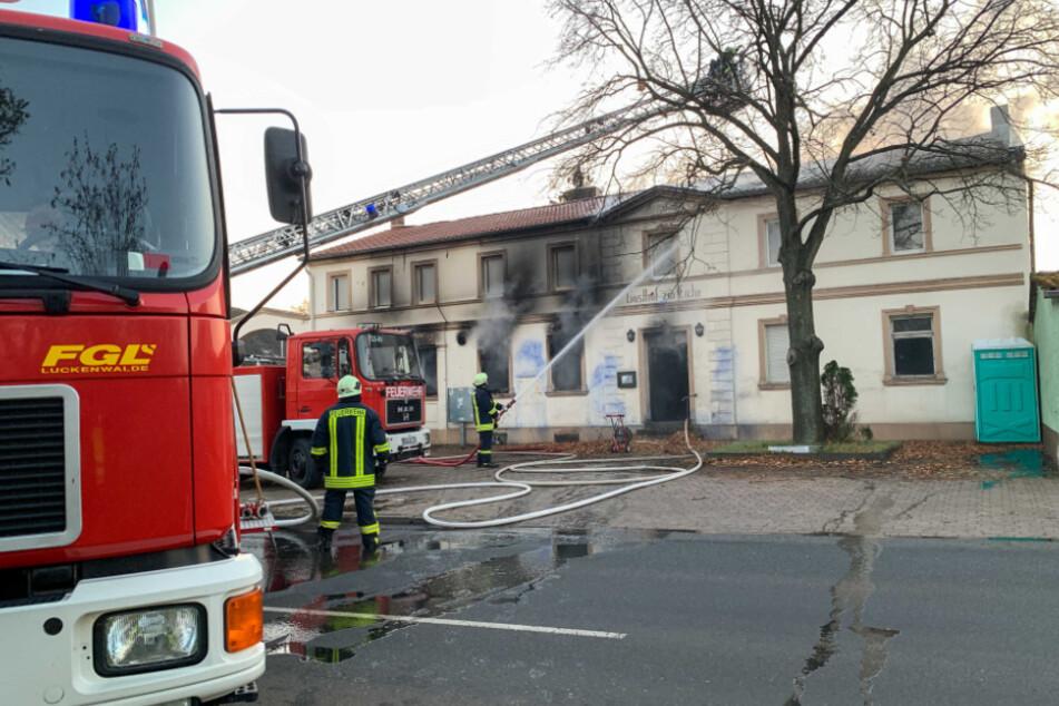 Anwohner geschockt: Alte Dorfkneipe geht in Flammen auf
