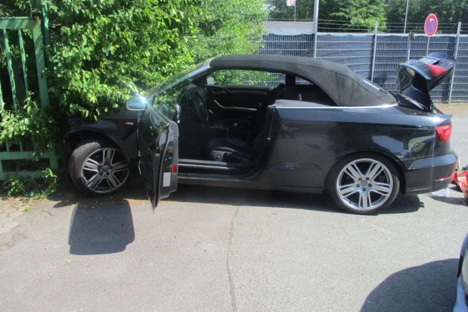 Der Audi war nach dem Unfall nicht mehr fahrbereit.