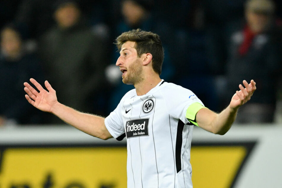 Sogar ein Einsatz von Abraham gegen Schalke ist nicht auszuschließen.