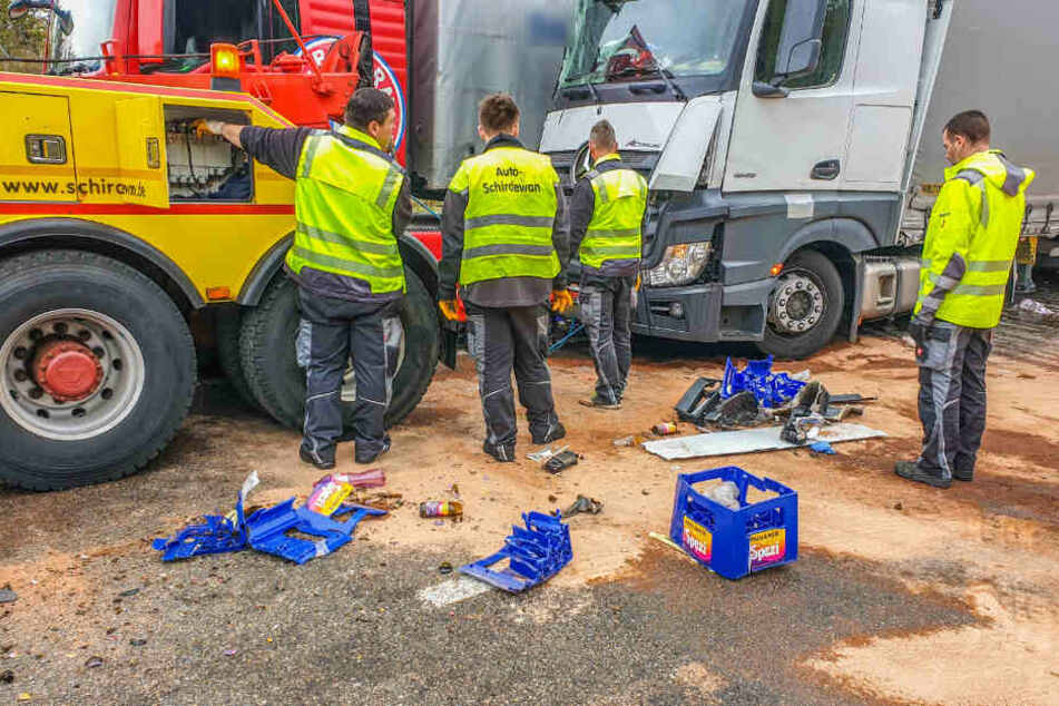Lastwagen-Crash auf der A8: Stau und Sperrung!