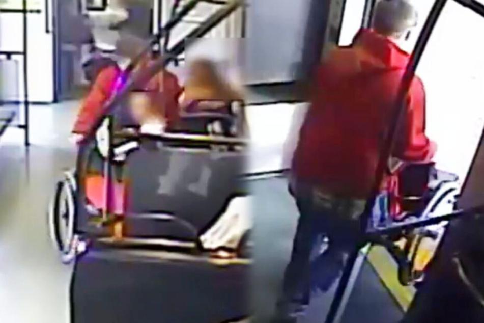Der Mann packte sich den Rollstuhl und wollte damit aus der Bahn raus.