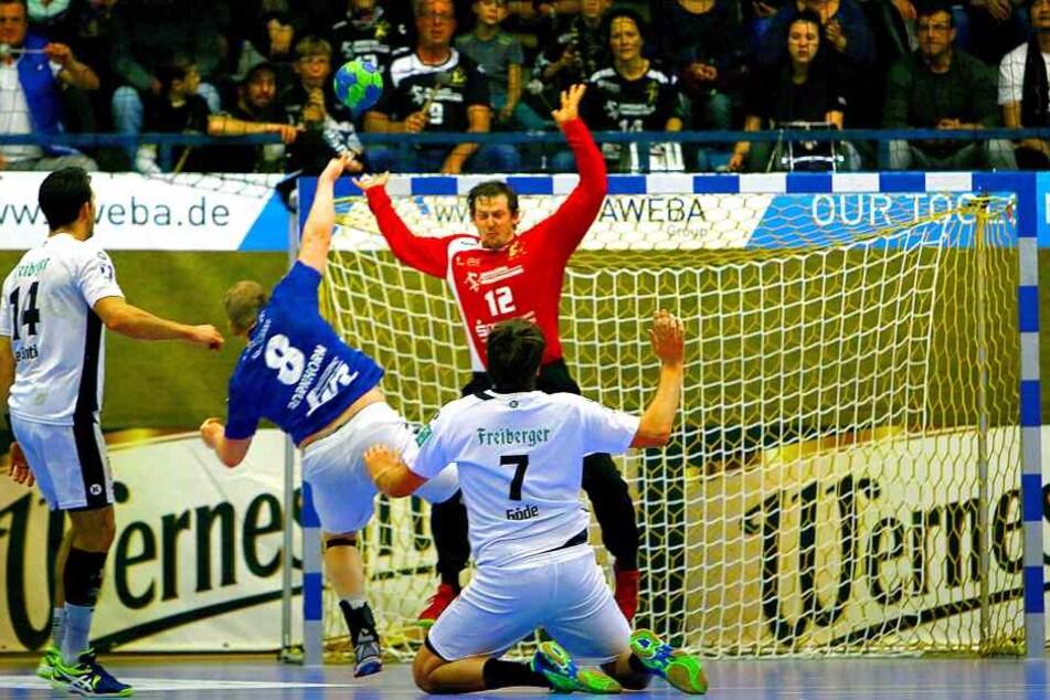 Nach einer guten ersten Halbzeit war Christian Pöhler vor allem mit Torhüter Mario Huhnstock unzufrieden.