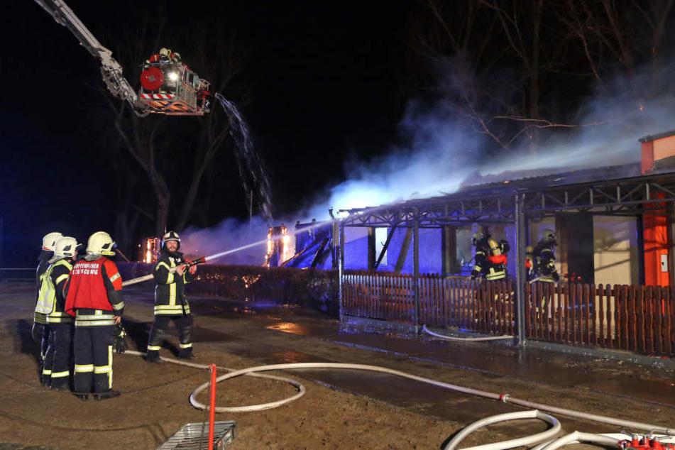 Das Vereinsheim in Coswig brannte völlig nieder.