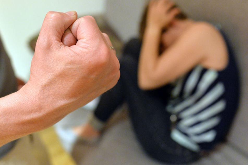 Schläge und Beschimpfungen gehörten zum Training dazu. Vor Gericht geht es um Nötigung, sexuellen Missbrauch und Beleidigung. (Symbolbild)