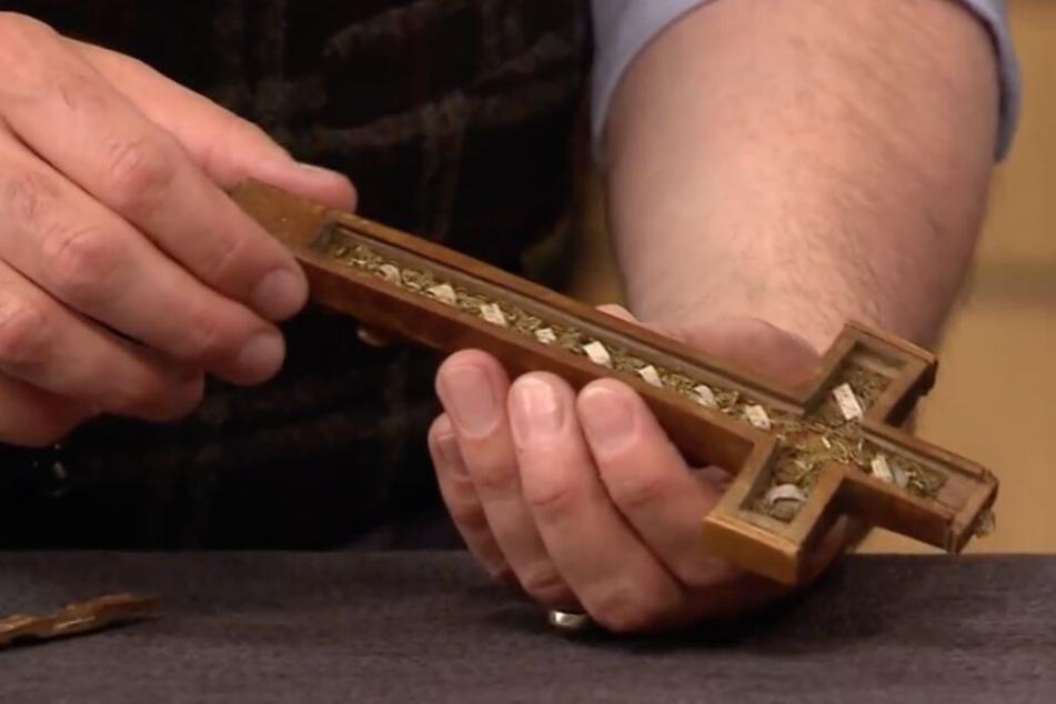 Mysteriöses Reliquien-Kreuz bei Bares für Rares: Was steckt im Hohlraum?
