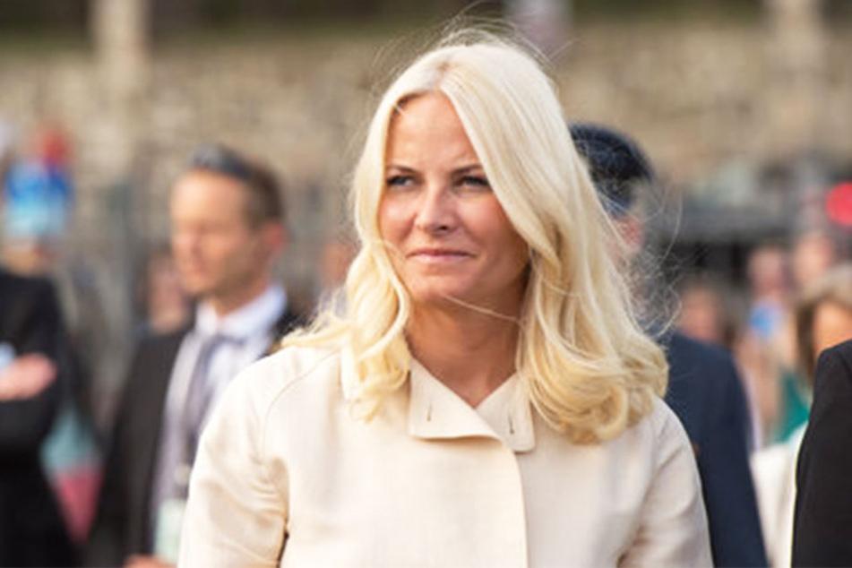 Seit Jahren zeigt die norwegische Kronprinzessin Mette-Marit (44) großes Engagement für Literatur und Lesen.