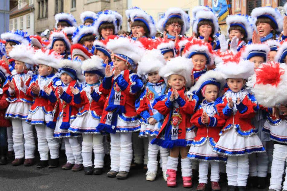 Die Großen und kleinen Freunde des Karneval haben gemeinsam den Auftakt der Saison gefeiert.